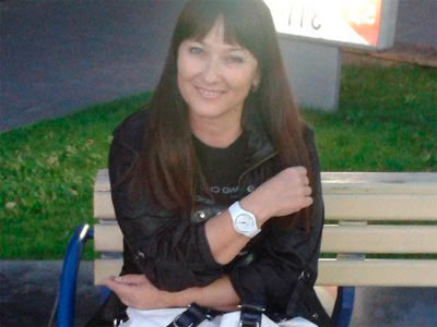 Sandra, belle dominatrice brune