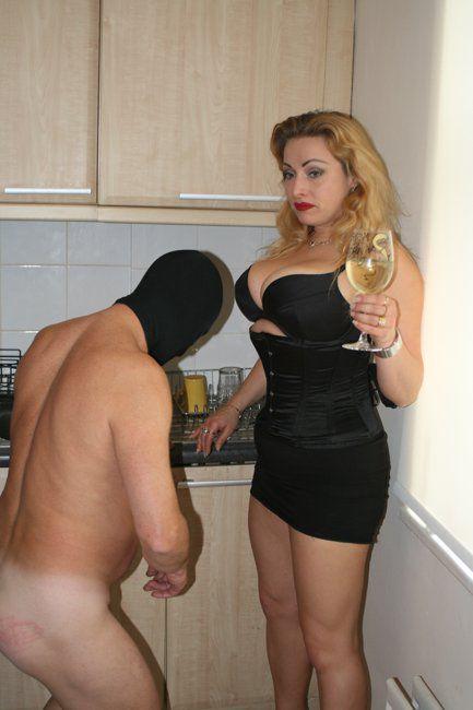 Venerable maitresse dominatrice