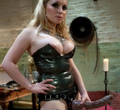 Maitresse dominatrice lola Paris